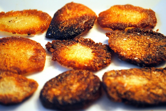 Salt and Vinegar Roasted Potatoes- wonder if they taste like salt ...
