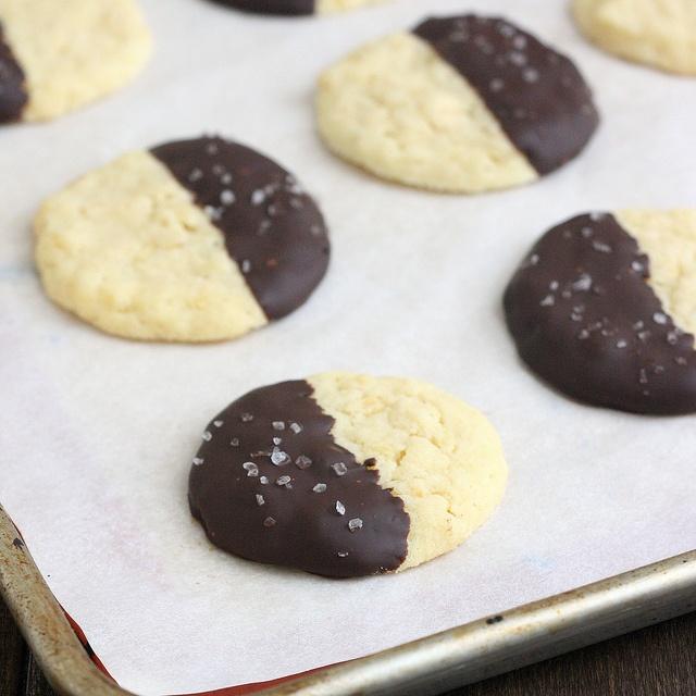 Chocolate-Dipped Potato Chip Cookies--4.5 Stars, Don't add salt next ...