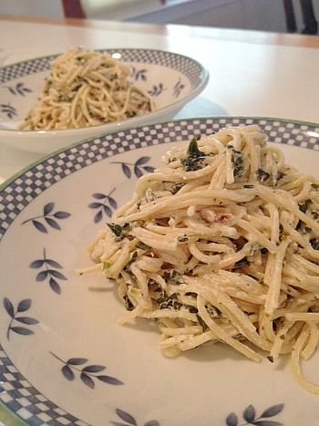 Creamy Goat Cheese Pasta with Lemon and Spinach (and my giveaway ...
