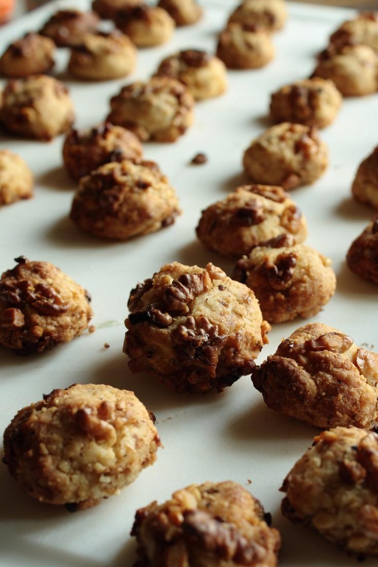 Butter Walnut Almond Meltaways. | cool stuff | Pinterest