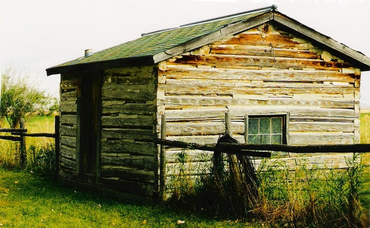 bunk house made out of wood pegs old barns houses
