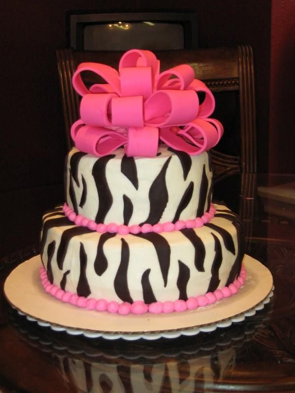 Another Zebra cake using buttercream with fondant accents.....ohhhh ...