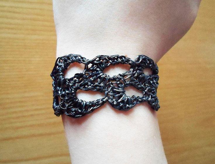 DIY Crochet: DIY VHS Tape Bracelet crochet Pinterest