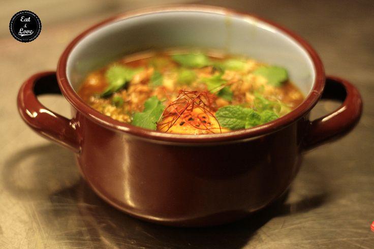 Callos a la thailandesa en Nakeima, restaurante street food Madrid