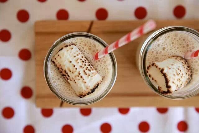 toasted marshmallow milkshake | Eat Thou | Pinterest