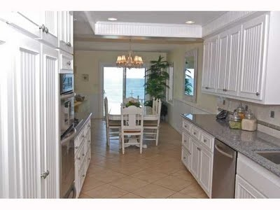 Beach condo kitchen beach house ideas pinterest for Beach condo kitchen ideas
