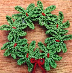 A Mistletoe Wreath to Crochet ~ free pattern