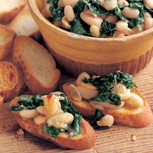 Crostini with White Beans, Garlic and Tuscan Kale | Vegan-Replace with ...