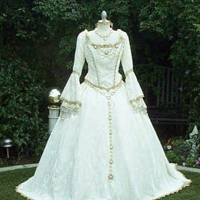Renaissance inspired wedding gown for Renaissance inspired wedding dress
