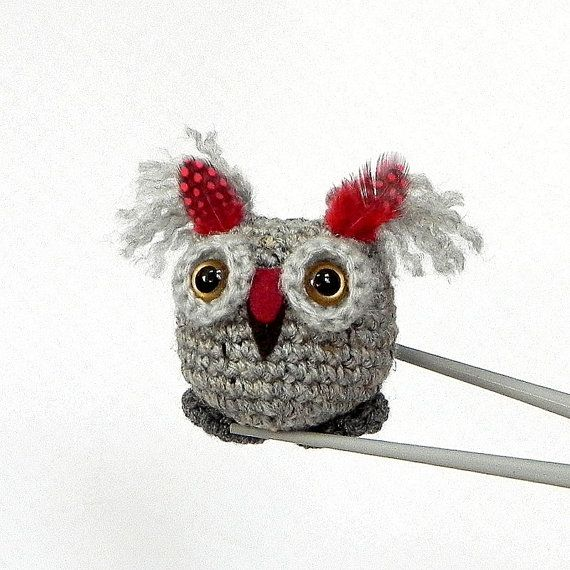Halloween Craft: Knitted Owl