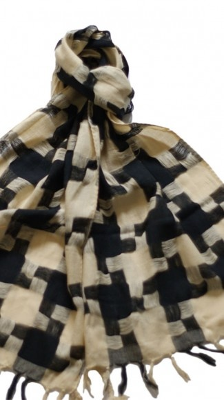 * hounds tooth scarf $10