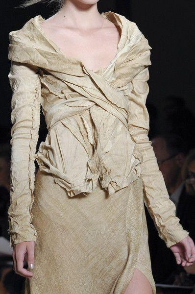 Donna Karan Spring 2011 - Details