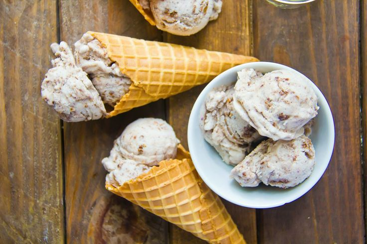 Peach ice cream with Cinnamon Streusel | I scream for ice cream! | Pi ...