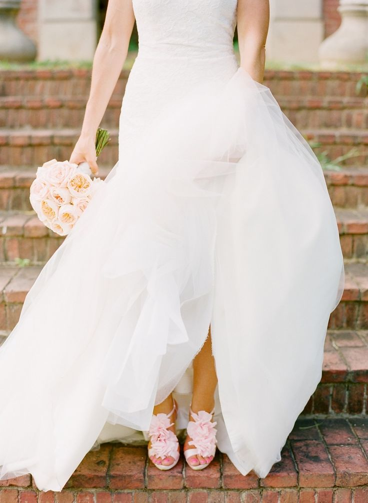 A Maryland Estate Wedding with the perfect pink touch. #Amsale #RealWedding