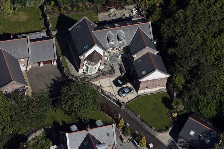 Celebrity Homes: Catherine Zeta Jones and husband Michael Douglas in Mumbles, Swansea UK