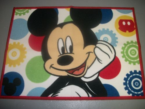 New Disney Character Mickey Mouse Face Area Throw Accent