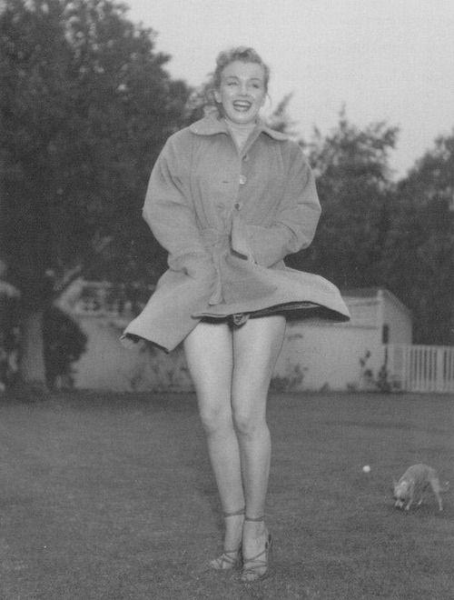 Marilyn Monroe in Her Casket | Marilynettes ~ Marilyn Monroe by Earl ...