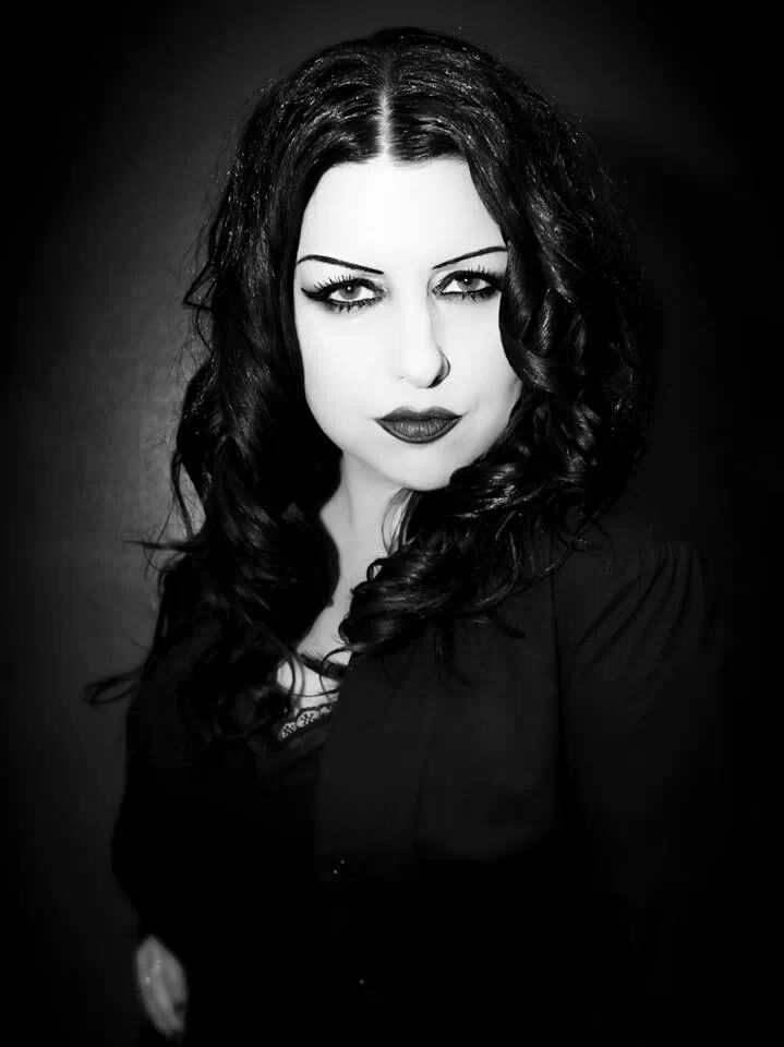 how tall is tairrie b
