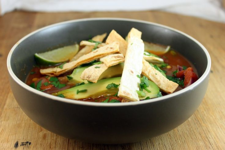 Vegan Tortilla Soup on http://whitsamusebouche.com