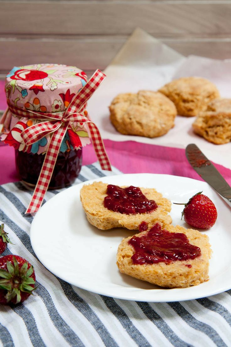 low sugar strawberry balsamic jam