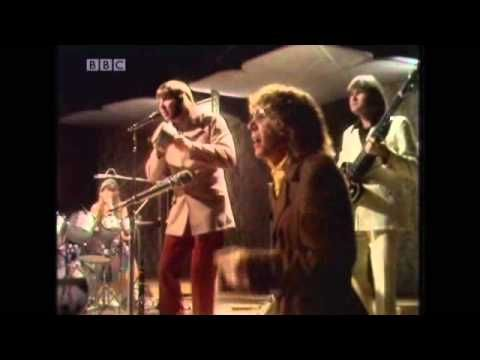 The Carpenters - Bacharach Medley