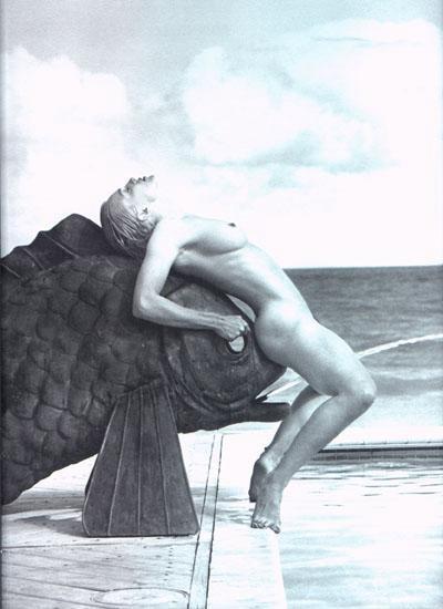 Madonna poste une photo d'elle nue censure de son livre