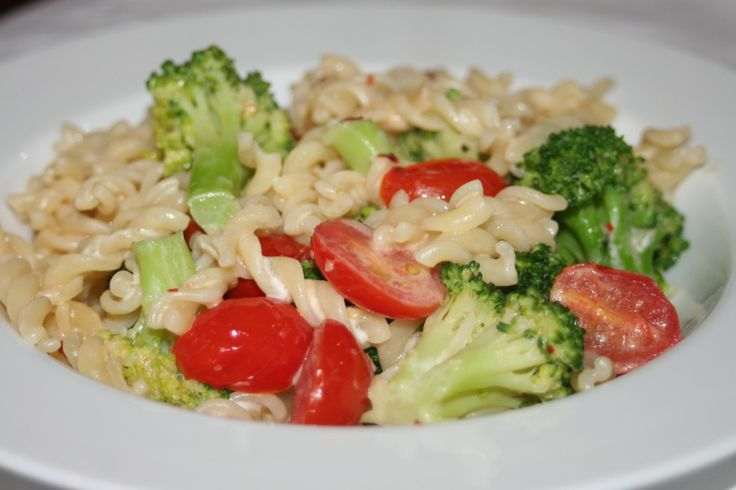 Fusilli with Broccoli, Tomato, Garlic and Red Pepper Flakes: Healthy ...