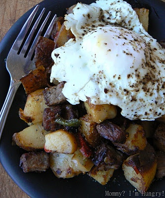 potato hash and eggs - dang Rachelle, this looks really tasty!!!