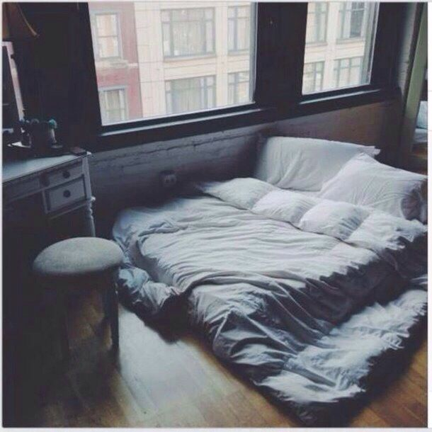 Mattress On Floor : ... the mattress on the floor gives it such a casual and cozy feeling