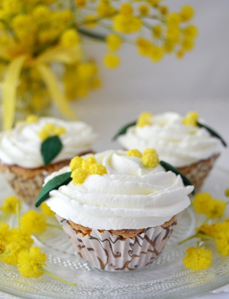 Mimosa Cupcakes | Desserts
