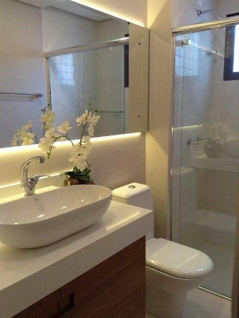 Iluminação no espelho do banheiro  For the Home  Pinterest -> Iluminacao Banheiro Pequeno