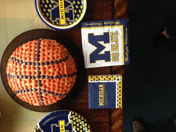 Michigan basketball Cake for Final FourMichigan Basketball Final Four