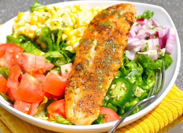 Blackened chicken mexican salad with cilantro lime for Fish and salad