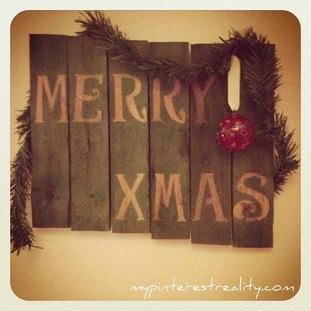 My pinterest reality holiday pallet art craft ideas for Pinterest pallet christmas ideas