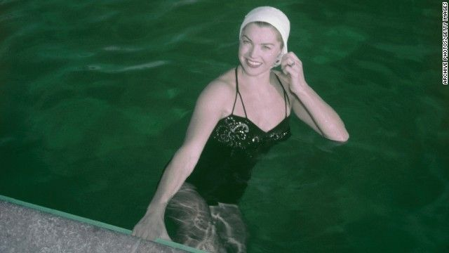Actress Esther Williams Mermaid In The Pool Dies At 91