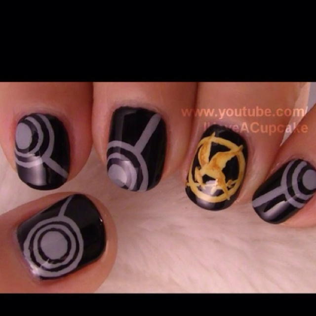 YES! Hunger games nails
