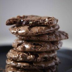Soft, chewy, fudgey, chocolatey, nutty cookies. And with only 6 ingredients and 15 minutes baking time, they couldn't be easier to make.