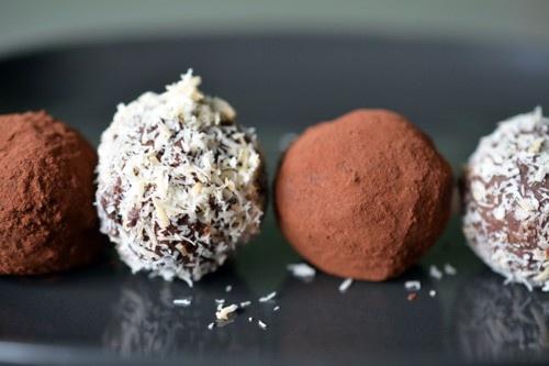 Nom Nom Chocolate Truffles   Desserts   Pinterest