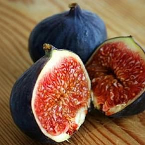 Figs  Cure for: Hemorrhoids  The 3 g of fiber in four dried figs helps create soft, regular stools that will keep hemorrhoids from returning, says Somer. Figs also provide about 5% of daily potassium and 10% of manganese.        Read more: http://www.prevention.com/food/food-remedies/16-simple-healing-foods/12-figs#ixzz2Ip7vR1Wq