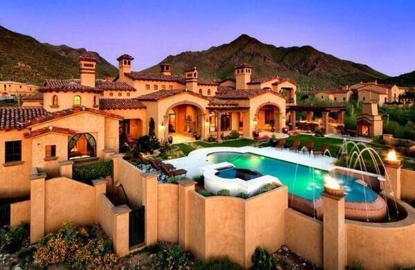 Amazing mountain home beautiful houses from around the for Mansions around the world