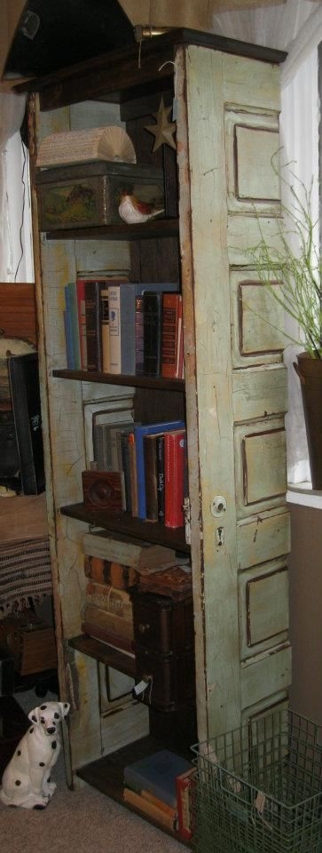 Awesome bookshelf from an upcycled door!