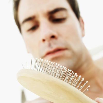 Más de un 75% de hombres han declarado que Minoxidil ha estimulado el crecimiento de su cabello. La espuma Rogaine es un producto que se adapta a la rutina diaria del hombre. Su modo de utilización es de 2 veces al día, por la mañana y por la noche y lo mejor de todo es que no deja un tacto grasiento ya que se absorbe con facilidad. http://rogaine-minoxidil.org