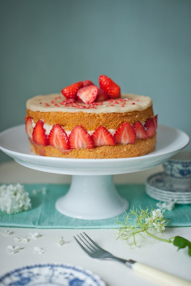 Strawberry Summer Cake Recipe — Dishmaps