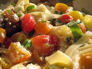 Fettuccini with Heirloom Tomatoes, Fresh Basil, Ricotta Cheese, and ...
