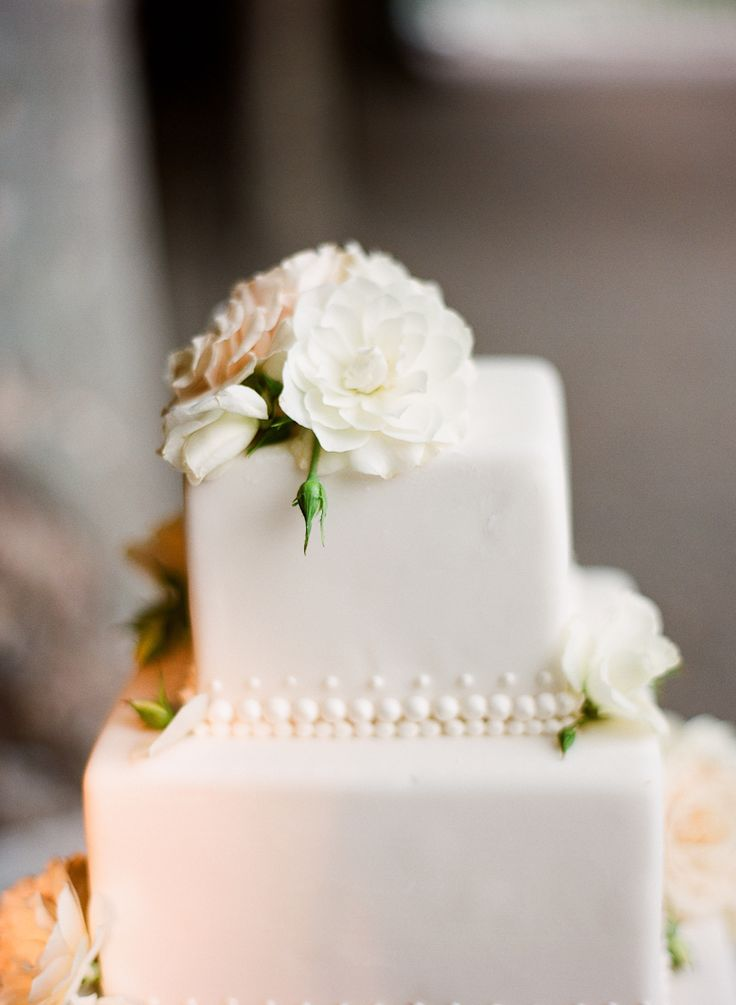 cake with the pearls but use different flowers for main 2 layer cake ...