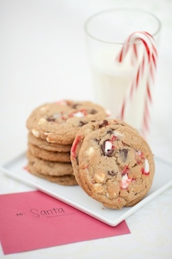 Peppermint Bark Chocolate Chip Cookies | food & drink | Pinterest