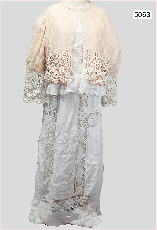 19th Century Women Lace Or Silk Blouses 19