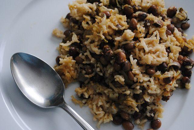 Arroz con Gandules | Puerto Rican Rice with Pigeon Peas