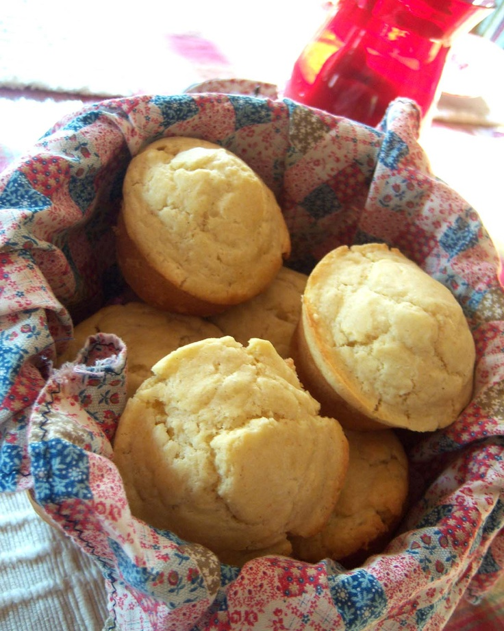 Shoregirl's Creations: Cornmeal Muffins | food + recipes: sweet (loav ...