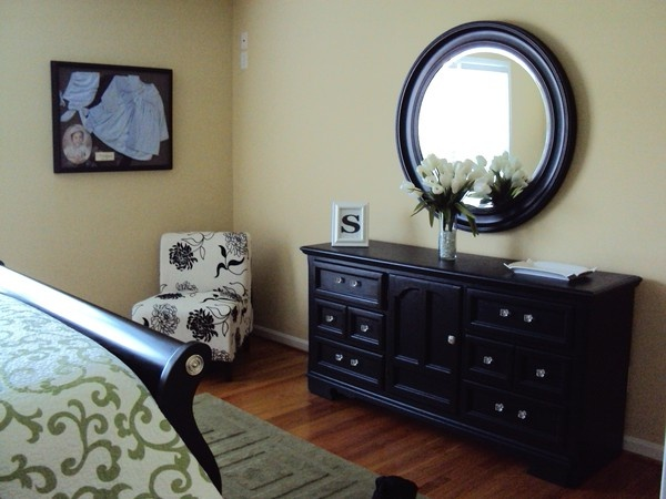 painted black furniture last year i painted our 80 39 s oak bedroom